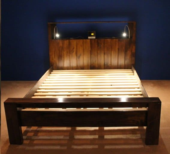 bed frame below $500