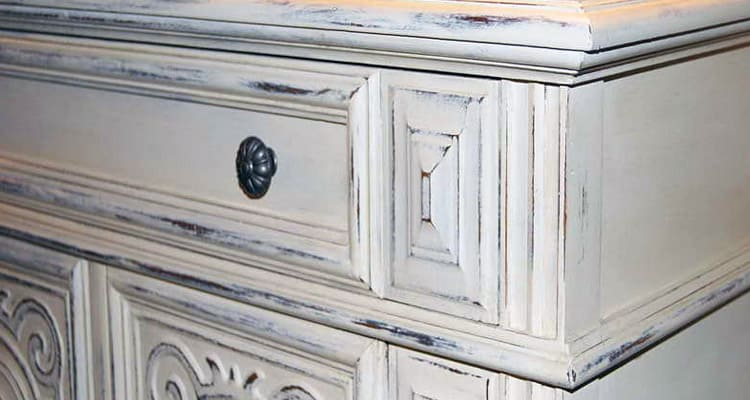 Chalk paints giving a distressed look.