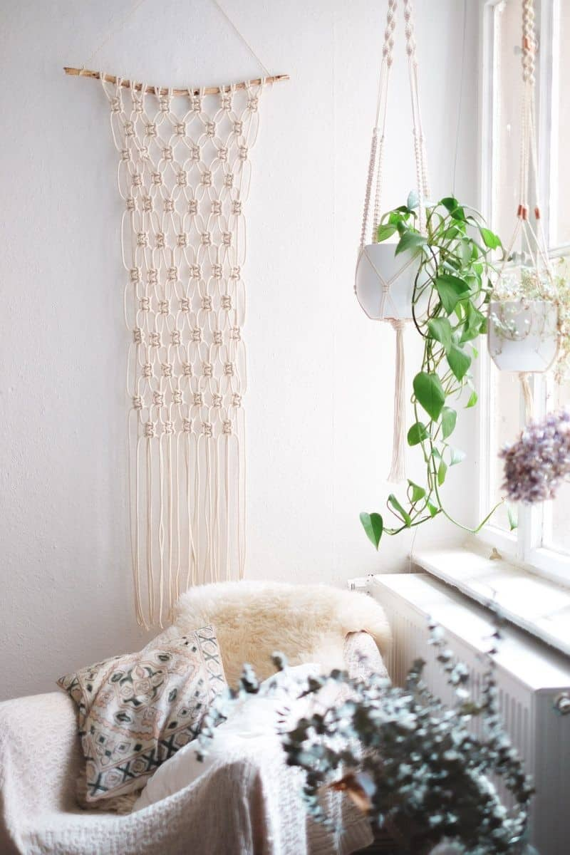 Simple Macramé Wall Hanging