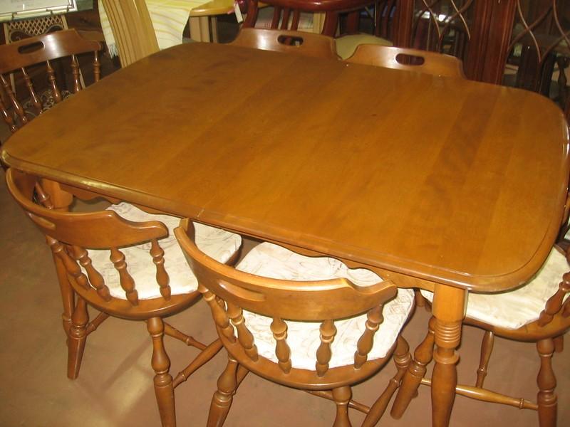 maple wood table